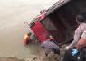 Mobil Kecemplung Sungai